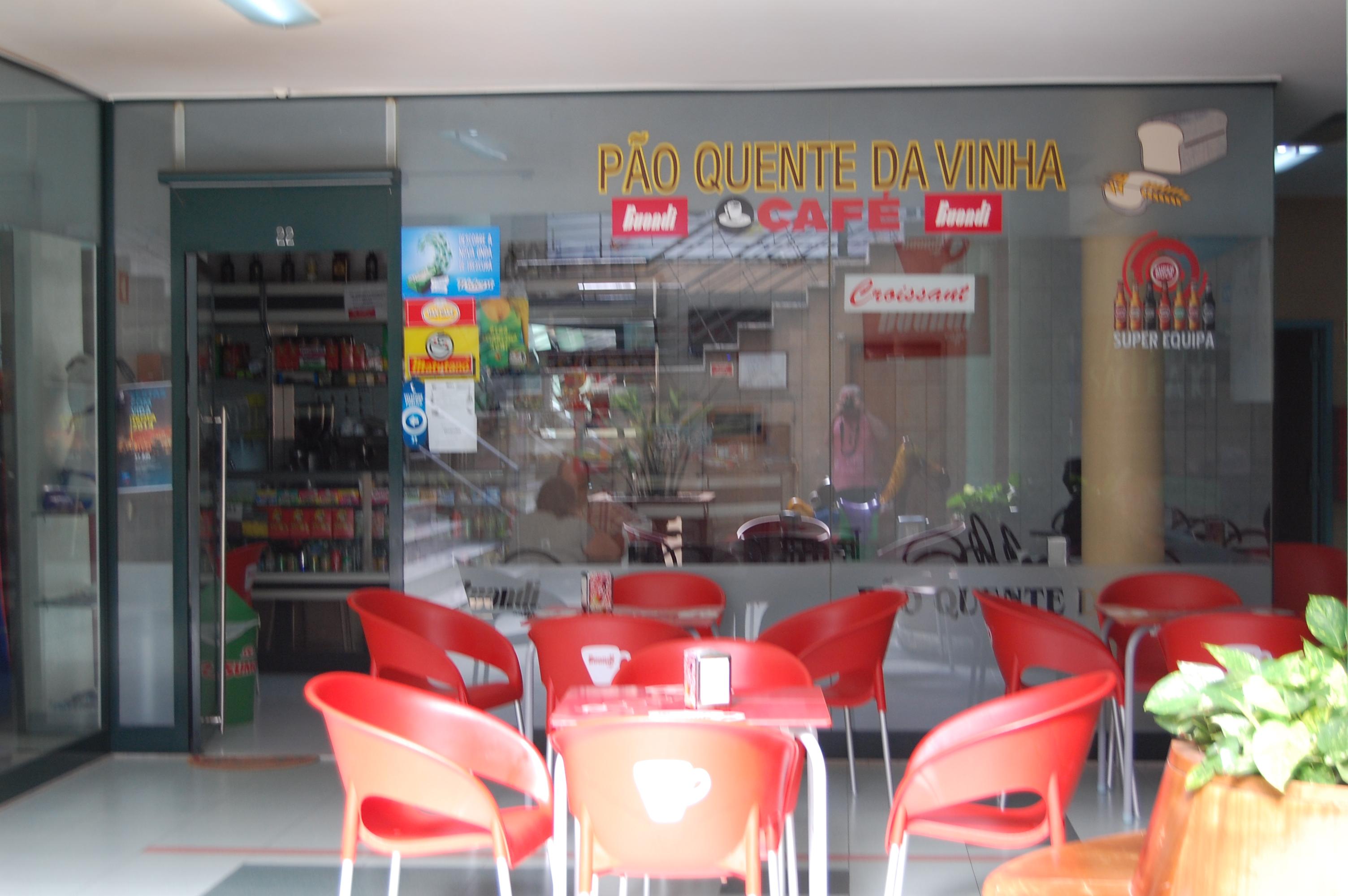Loja com café no C.C. Vinha, Trofa