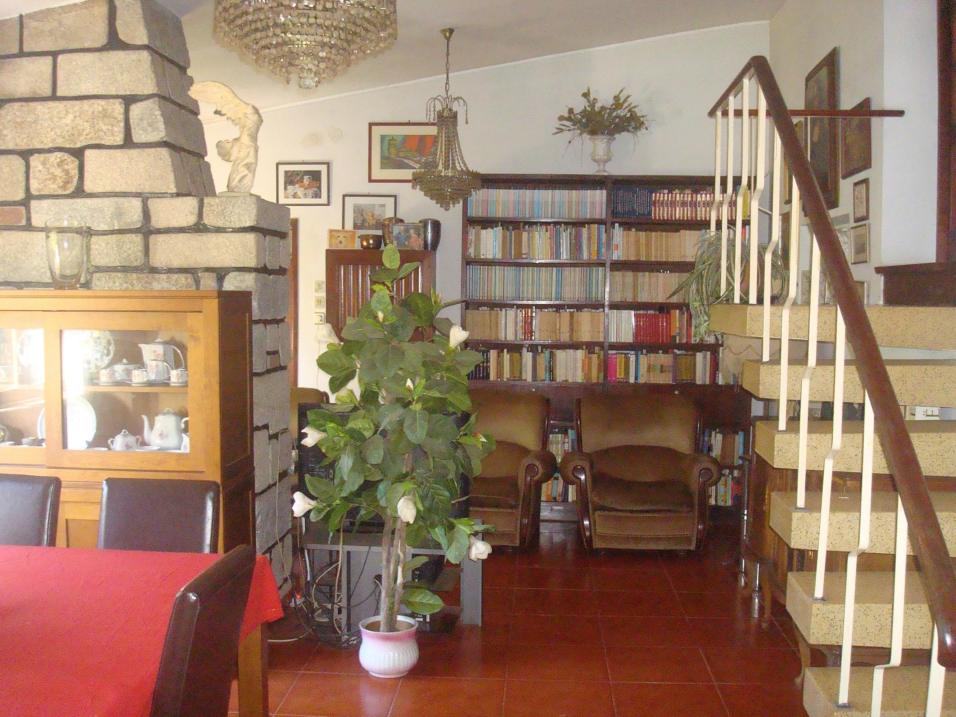 Casa antiga restaurada com 1200m2, em Guidões