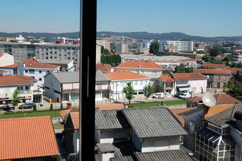 Apartamento T2 c/ 2 frentes, por cima da CGD – Trofa