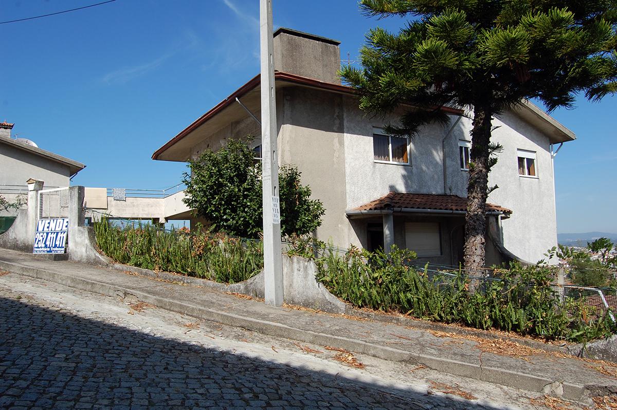 MORADIA T7 c/ 3 pisos, Valdeirigo – Trofa